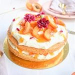 Aprikosen Torte