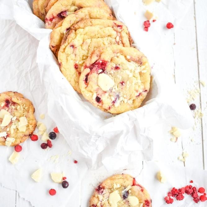 Himbeer Cookies mit weißer Schokolade