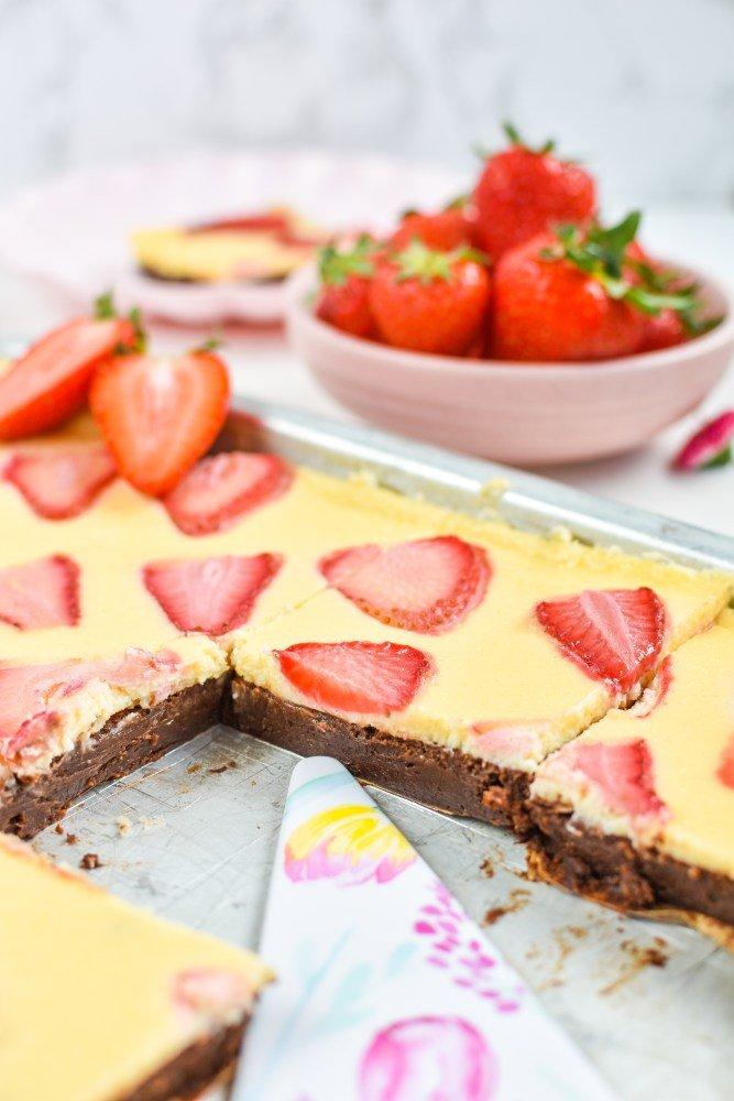 Brownie Cheesecake mit Erdbeeren