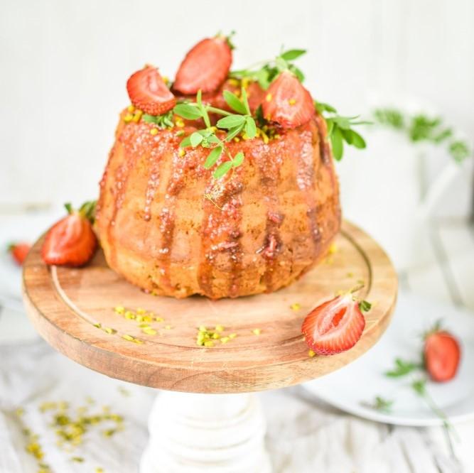 Erdbeer Pistazien Gugl