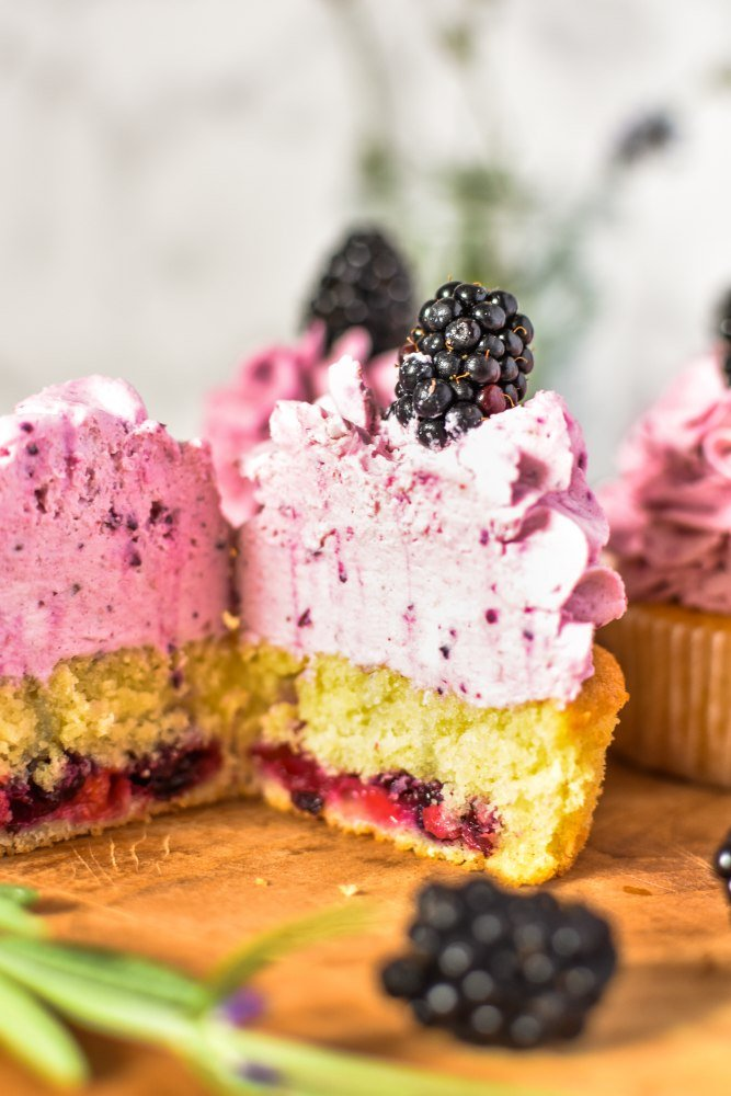 Brombeer Cupcakes