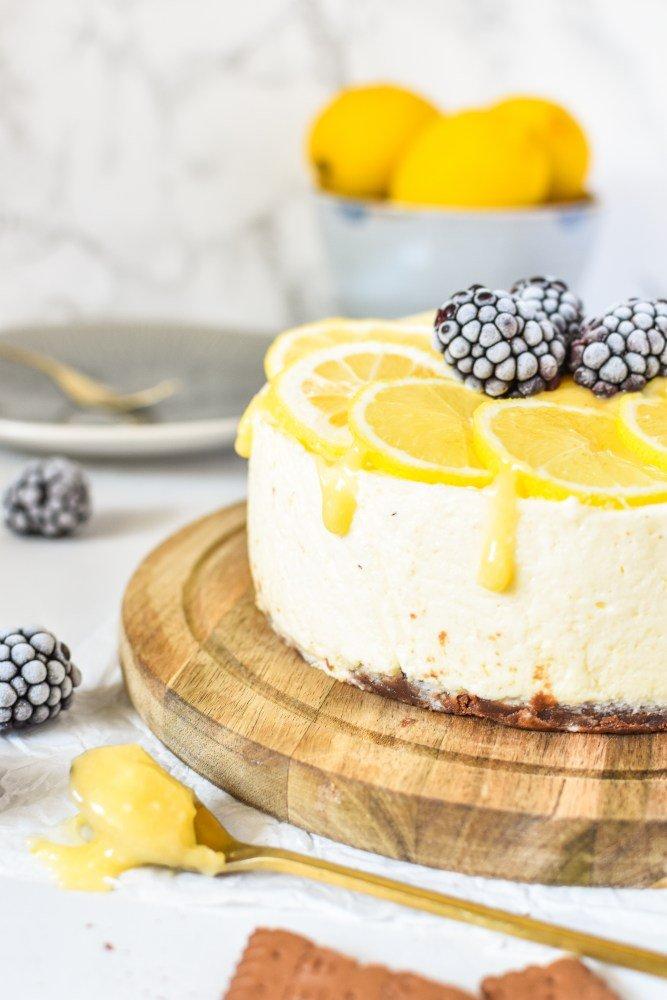 Zitronen Brombeer Torte